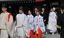 04_and_a_traditional_japanese_wedding_held_there.jpg